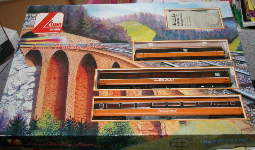 105100x33 Train Set.jpg