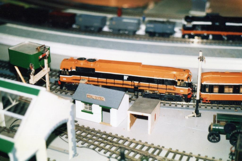 071   Fry Model Railway D heath.jpg