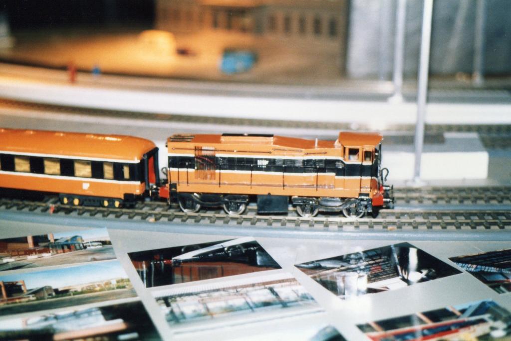 121 Loco Fry Model Railway  D Heath.jpg