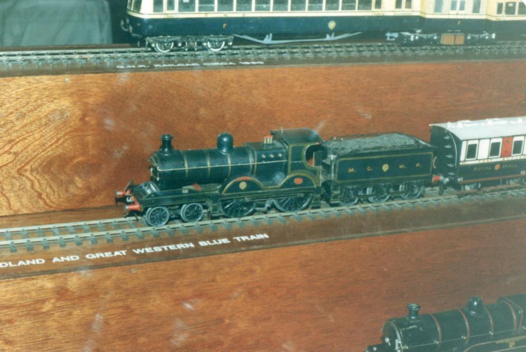 Midland Blue Train Fry Malahide  D Heath.jpg