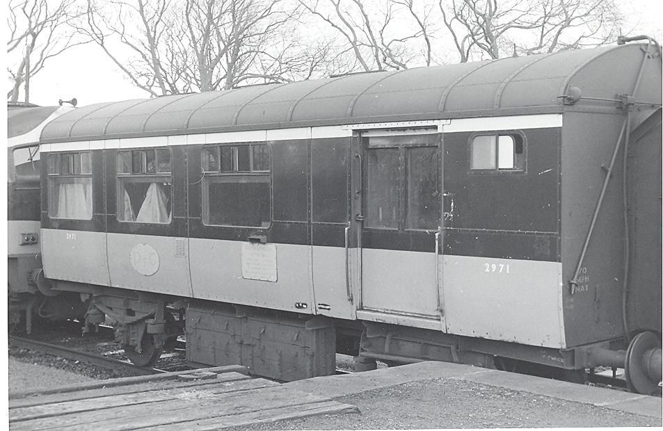 P7T 2 001.jpg