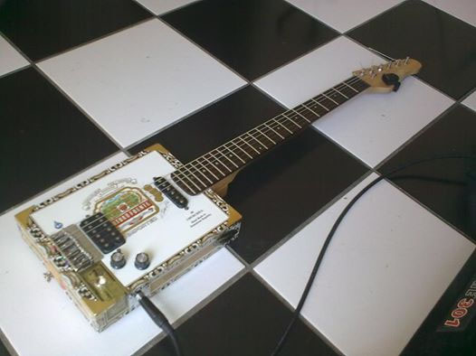 SB-Cigar Box Guitar-00.jpg