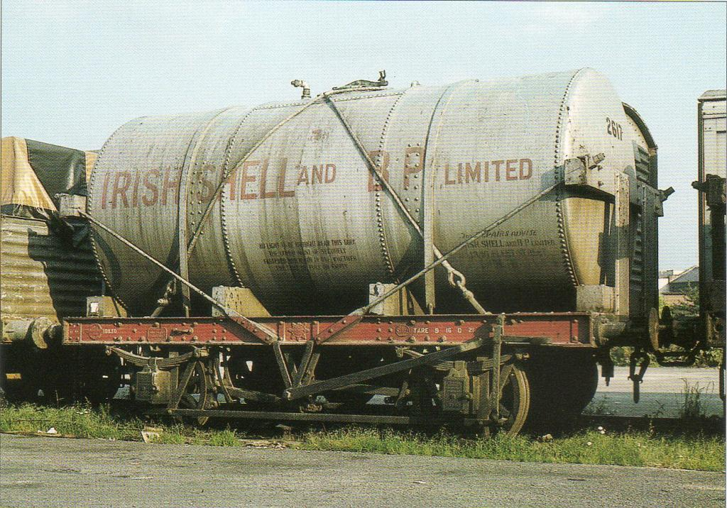 Irish Shell & BP Class A Tank 2617 in 1966.jpg