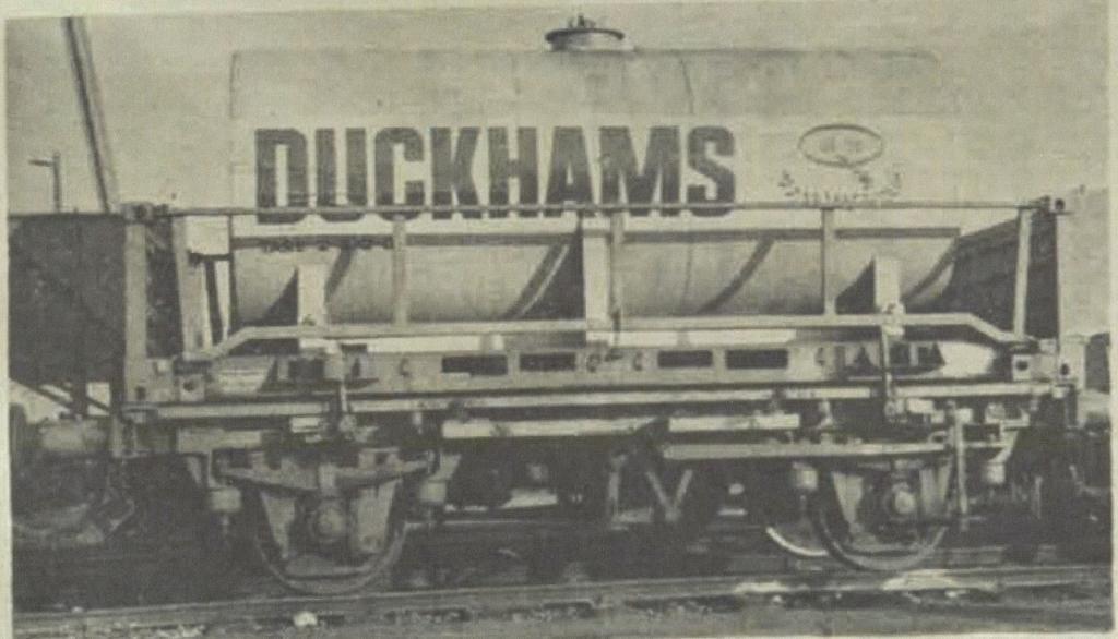 Duckhams Oil Tank Container r.jpg