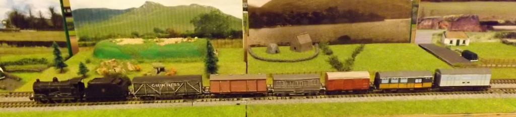 3 UTA SG3 with bogie and large 4 wheel wagons cropped.jpg
