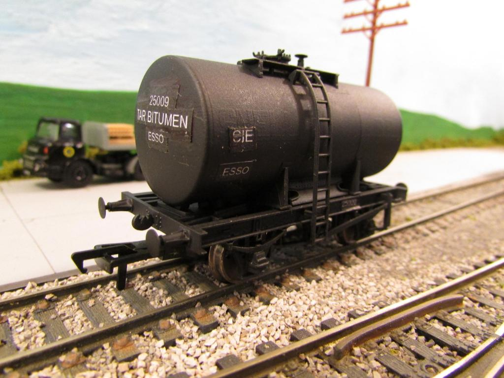 Tank Wagon 001 shrink.jpg
