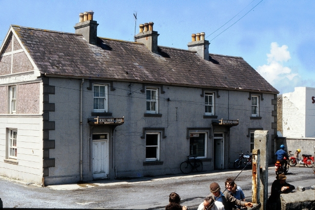 athboy chat sites See : darby household, market st, athboy looking at the osi map from the 1890s, market street seems to be the old name for the main street father john and wife annie are both born in co meath and son john, age 16.