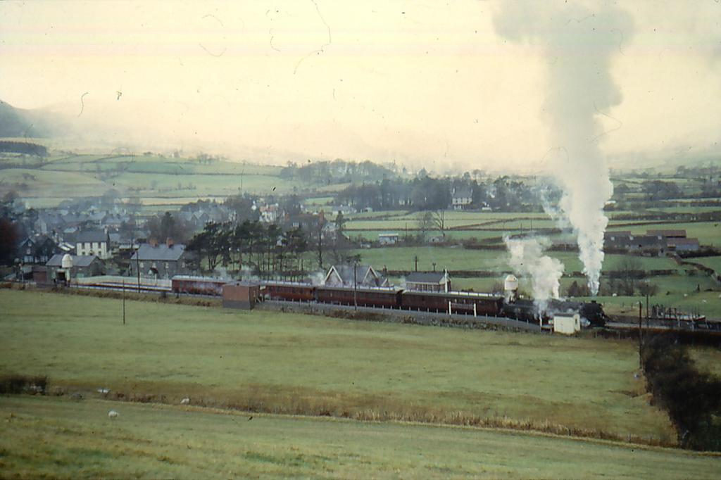 75006 at Llanuwchllyn, 28_11_64 (1).jpg