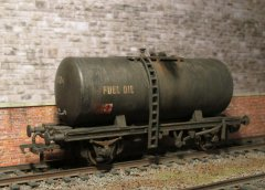 Dapol Class B Oil Wagon.
