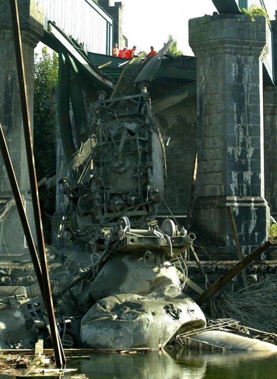 Cahir viaduct collapse.jpg