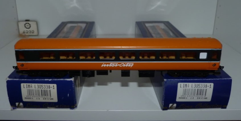 L305338-1A.JPG.0e3d3d60af93e5601b842bb50878b85e.JPG