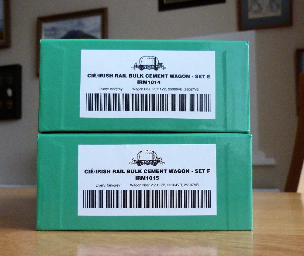 5a50bb61099b7_PacksEF.thumb.JPG.3e2ab16e10c9ef11c3cadc00c252e36d.JPG