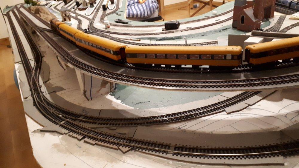 Train layout 2.jpg